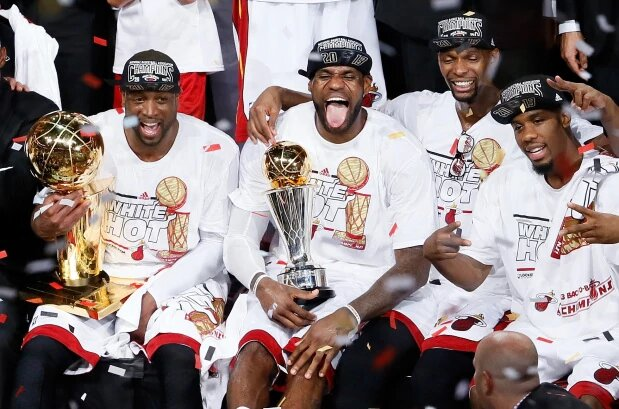 LeBron James, Dwyane Wade et Chris Bosh champions NBA en 2012