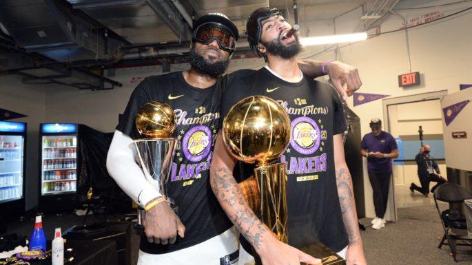 Lebron James et Anthony Davis champions NBA avec les Lakers de Los Angeles